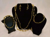 Hand Beaded Jewelry sets West Memphis, 72301