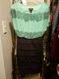 women's green and blue sleeveless dress 442 mi