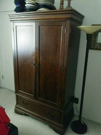 Armoire with shelves San Leandro