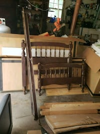Wood bed in good condition single bed Monroe, 06468