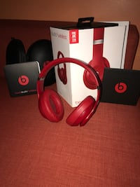 ALL RED BEATS STUDIO 3!!! (PERFECT CONDITION)