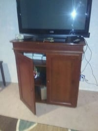 Cabinet  television Omaha, 68117