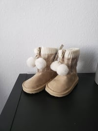 Brand new Toddler Girl's Boots Shoes Size 6  Ventura