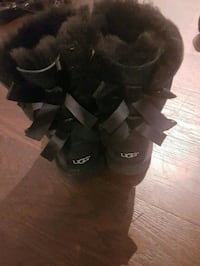 Kids uggs  girls  Mississauga, L4T 1K4