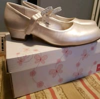 ***BRAND NEW*** GIRLS HIGHEND SPARKLY SHOES Toronto, M4C 2R4