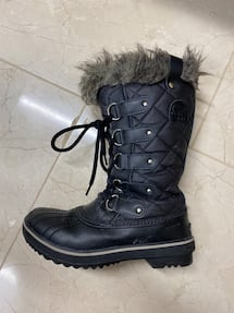 Sorel snow waterproof boots Women's size 6.5