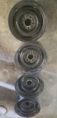 Steel Wheels 15x5 hole 4.75 inches for hubcaps