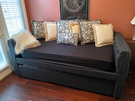 HAPPY NEW YEAR! PRICE REDUCTION!Daybed with Trundle - mattresses inc.