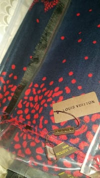 LOUIS Vuitton Cashmere scarf Mississauga