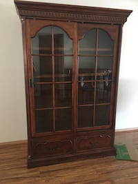 Brown wooden framed glass display cabinet Concord, 94518