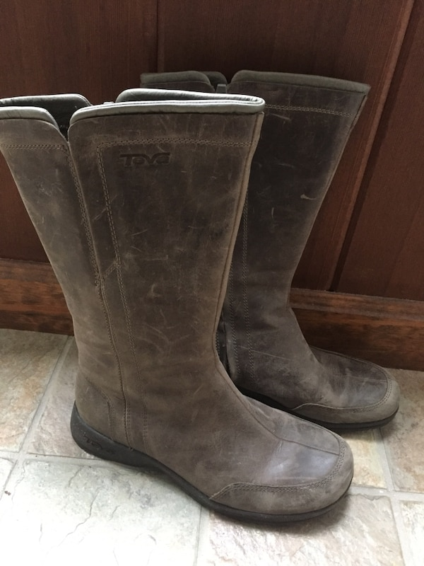 47f1d01de700 Used New Womens Teva Capistrano Waterproof Leather Distressed Mid Boots for  sale in Brewster - letgo