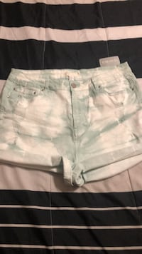 Forever 21 + Distressed Shorts Mississauga, L4Z 1H7