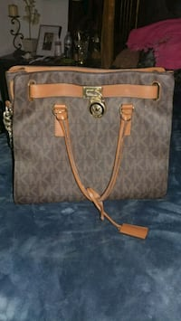 Authentic brown Michael Kors leather tote bag Fresno, 93706