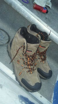 Size 13 mountain ridge boots St. Catharines, L2R 5P8