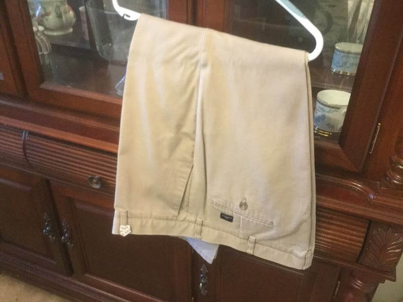 Pants DOCKERS Size W 40 by L 30 0