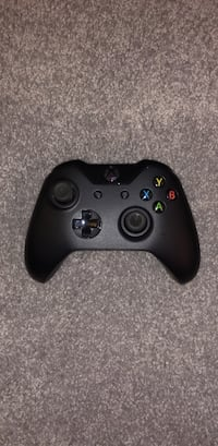 black Xbox One wireless controller Washington, 20016