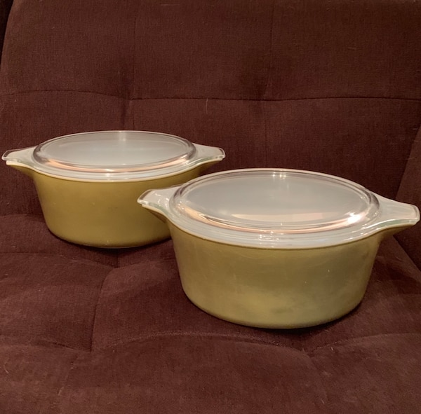 RARE FIND!!! 2 Pyrex Verde Avocado Green Casserole Dishes w/ Lids—2.5 Quarts