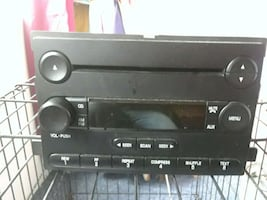 Car cd stereo am/ fm