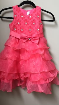 dress for 4-5 years old girl Edmonton, T6T 0M7