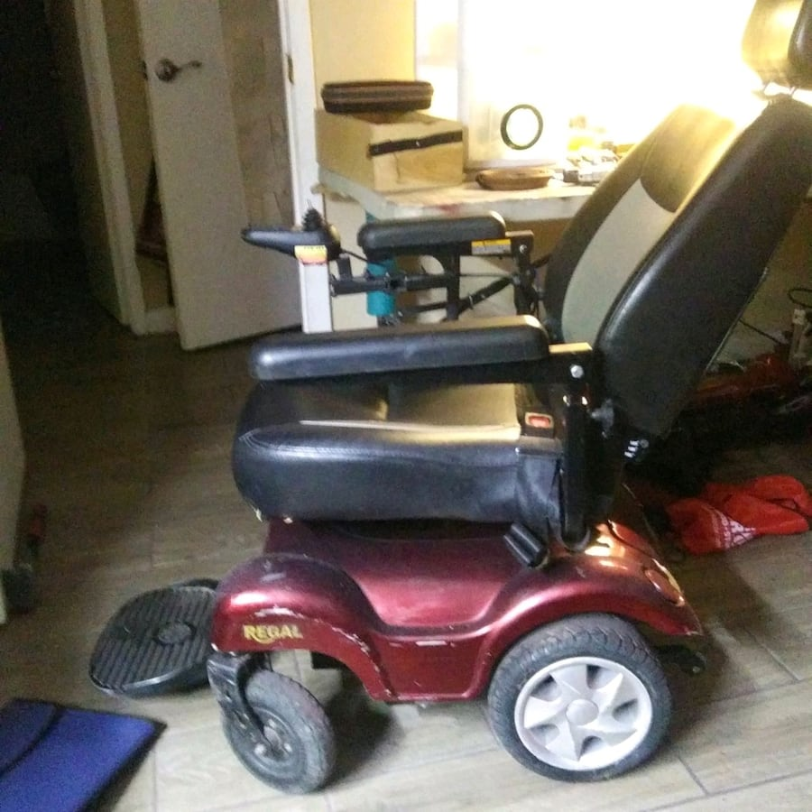 Regal elect. wheelchairs moving. must sale every thing works.