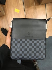 Louis Vuitton messenger bag  Capitol Heights, 20743