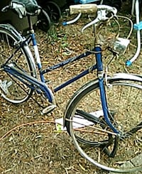 blue and white cruiser schwinn bike Eugene, 97405