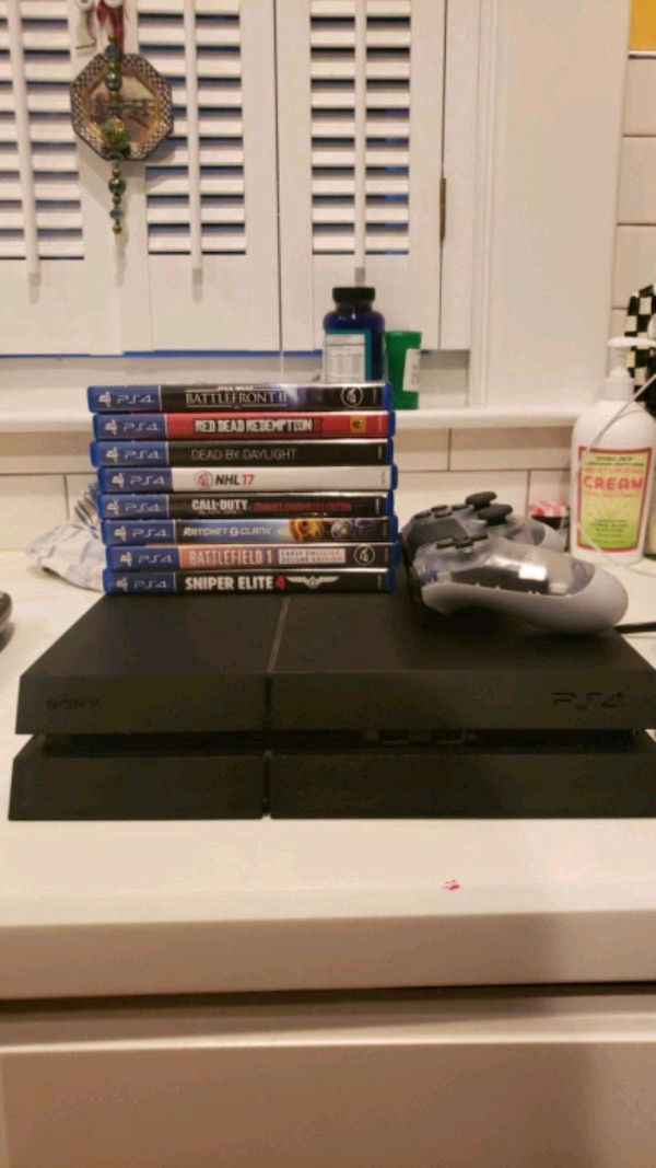 PS4 1TB SSD WITH GAME BUNDLE