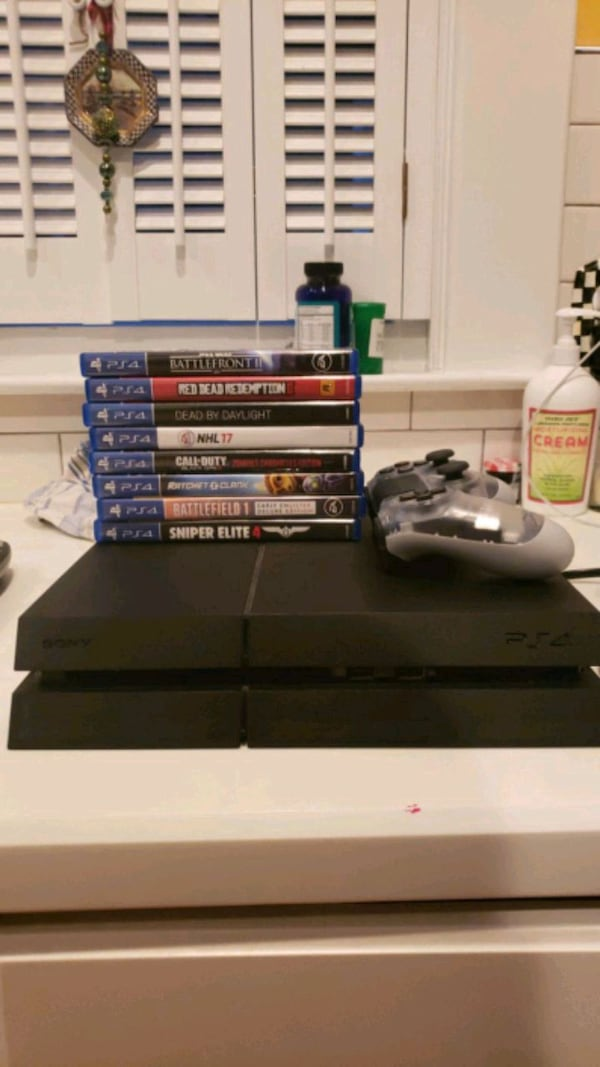 PS4 1TB SSD WITH GAME BUNDLE 301034e4-1091-4ac0-9b06-d73fb6581bf3