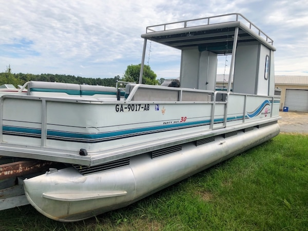 Used 1996 Suntracker Party Hut 30 Regency Edition Pontoon