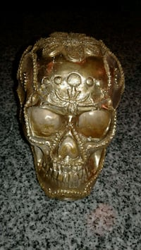 Gold color Skull table decor