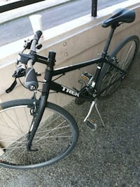 black and gray hardtail mountain bike Los Angeles, 91405