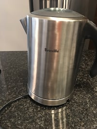 stainless steel Breville corded kitchen appliance Brampton, L6X 3B4