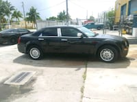 Chrysler - 300.   2006.    Low miles Miami, 33147
