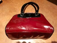 Sacoche rouge...red purse 15$ Montréal, H1Y 1Z6