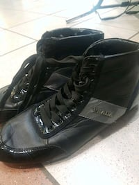 pair of black leather work boots Edmonton, T5M 4E7
