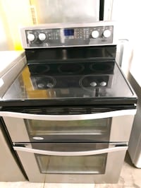 WHIRLPOOL STAINLESS STEEL DOUBLE OVEN ELECTRIC STOVE WORKING PERFECTLY