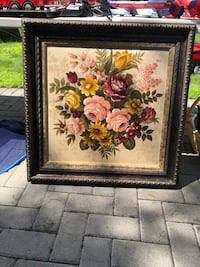 Flowers painting in frame 28x28. Perfect condition Lorraine, J6Z 4L1