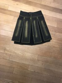 Barely used skirt size small-medium  Montréal, H4M