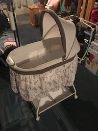 baby's white and gray bassinet Hackensack, 07601