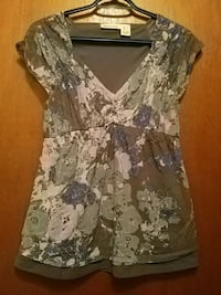 Size small Grey and purple floral shirt Kitchener, N2E 1J1