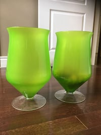 Pair of Gorgeous Decorative Vases Mississauga, L4Z 4A1