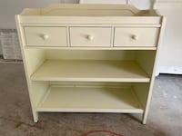 Pottery Barn changing table  Mississauga, L5G 2X5