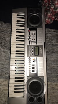 BC Electric Keyboard with stand Ashburn, 20147