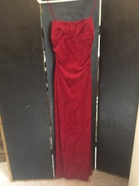 Red Formal Dress Size 4/6 Woodbridge, 22192