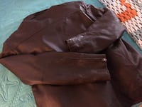 Brown leather coat zip out lining,like new,gold leaf brand,zips