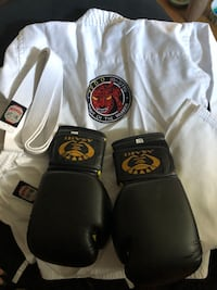 Kids martial arts Gi and gloves Vancouver, V5M 1J5