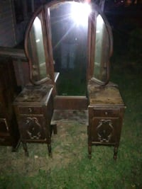 Antique womans makeup vanity Roanoke, 24013