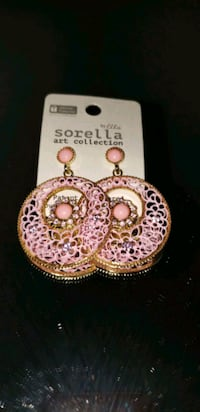 Pink round style earrings Oxon Hill, 20745