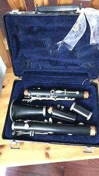 Black clarinet in case Crofton, 21114