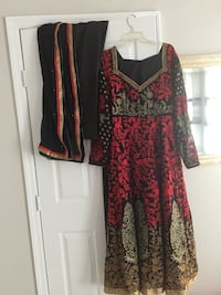 red and black floral long-sleeved dress Ashburn, 20147